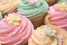 Cupcakes! / Gorgeous looking cupcake design.