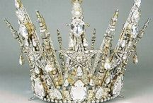 Fit for a queen / Beautiful crowns.