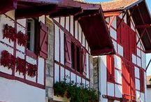 Les Villages Du Pays Basque / Basque Villages