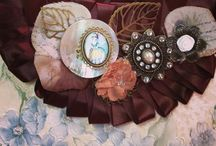 """Collares / Collares de la marca """"El Joyero de Rosa"""" Realizados de manera artesanal con elementos procedentes de anticuarios, viajes, restos de mercerías..."""