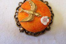 """Broches / Broches de la marca """"El Joyero de Rosa"""", de estilo vintage y realizados artesanalmente"""