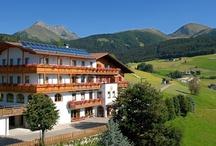 Hotel Oberlechner in Meransen / Das Hotel befindtet sich im Ortskern von Meransen in ruhiger Lage.