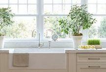 kitchens / Light, bright, white, modern but classic kitchens to inspire.