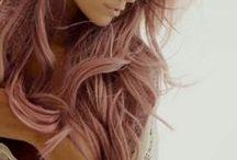 Hair explosion! / la necessità di ricerca, cambiare e vedersi in altri modi. dal periodo biondo naturale, ai colori più osati. ogni momento della mia vita è stato caratterizzato da un look diverso. qui... tutto quello che vorrei fare!