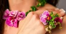 Fresh flower jewlery / Necklaces, rings, earrings, armbands and other body flowers all created by talented designers using the most beautiful blooms.