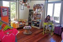 Nuestra Tienda Maternal / Espacio acogedor para recibir a las futuras mamás, papás y todo el entorno que espera la llegada de un bebé. Ropa maternal, accesorios, libros y un mundo de novedades.