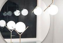 FLOS / Flos grundades 1962. Samma år startade firman produktion av en rad lampor, som blev några av de största klassikerna inom italiensk industriell design. Lampor som Arco designad av Achille och Piergiacomo Castiglioni, Gun-serien av Philippe Starck och 2097 av Gino Sarfatti är lysande exempel på Flos design när den är som bäst.