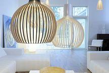 SECTO DESIGN / Secto Design har specialiserat sig på designade lampor i trä. Designern bakom belysningen är inredningsarkitekten Seppo Koho. Skärmarna är handgjorda av finskt trä som ger ett mjukt ljus. Designen ger ett skandinaviskt intryck. 75 % av Secto Designs försäljning sker utanför Finland.