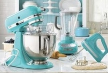 Kitchen & Gadgets / Brighten your home with these colourful kitchen ideas!