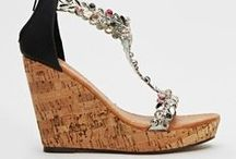 Sandals / Sunshine or a special occasion, strappy sandals give your feet a treat. From flat, comfortable flip-flops to stunning heeled wedges, we have it all here at Everything5Pounds.com.