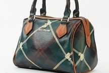 Bags & Purses / Carry your belongings in style with our gorgeous bags and purses from Everything5Pounds.com. Shop our range today!