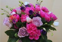 Buchete bujori / Peony bouquets / http://www.florariamobila.ro/buchete-de-flori/buchete-bujori.html
