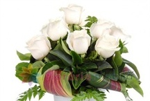 Aranjamente florale pentru Craciun / Christmas flower arrangements / http://www.florariamobila.ro/aranjamente-florale/aranjamente-florale-craciun.html