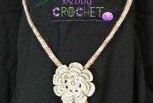 Debby Crochet / Nessun regalo è troppo piccolo da donare, e nemmeno troppo semplice da ricevere, se è scelto con giudizio e dato con amore. Se poi scegli un oggetto unico e irripetibile come le mie creazioni, sarai nei pensieri di chi lo riceve per sempre.