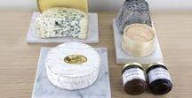LA FROMAGERIE / Faîtes votre choix parmi une vaste sélection de fromages français et européens, dont une partie est affinée sur place, et proposés entiers pour être soigneusement découpés à la demande.