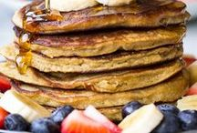 GLUTEN FREE / pancakes / Healthy gluten free pancake recipes for inspiration! Dairy free, grain free, sugar free, paleo and vegan ideas.