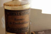 B O T T L E N E C K / A board to honor old bottles