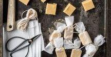 Geschenke aus der Küche / Über selbst hergestellte Geschenke aus der Küche freut man sich ganz besonders. Damit es nicht immer die Standard-Marmelade ist, haben wir hier für euch viele weitere Ideen gesammelt.