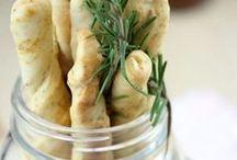 Salziges Gebäck / Es müssen nicht immer Chips und Co aus der Packung sein. Mit ein wenig Kreativität finden sich zahlreiche selbstgemachte Alternativen, die auch noch viel besser schmecken.