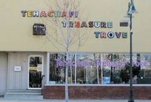 tehachapi treasure trove / This is all about one of the best most eclectic and artistic stores around.  116 E. Tehachapi Blvd.  Tehachapi CA