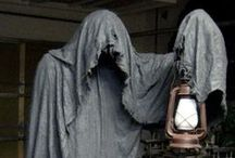 A Little Scare For You / Images, decor, make-up... a little bit of Halloween Goodness.