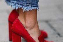 Schuhe / Von Sneakers über Loafers und SlipOns bis hin zu Heels. Schuhe, die mein Herz höher schlagen lassen.