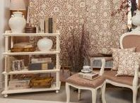 English Living Room / Transform your beloved living room in a charming, elegant and traditional space! Have pride in your own work by letting us to help you! We want you to be happy!