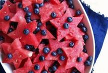 A blueberry summer / When the weather is hot, eat blueberries to cool you down!