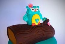 Owl Inspired Cakes / This is from our Fan Shares on Facebook - fans with owl themed cakes and these were from our top 10.Loved this theme so many gorgeous owl designs.