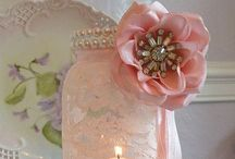 Vintage Wedding Ideas / Vintage wedding inspiration from the dress to the tables, flowers and transport