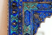 Inspiracje Quiosque. Wiosna/ Lato 2015 / Bezkresna pustynia, intensywność barw i zapachów, nieokiełznana przyroda, tajemnicze uliczki, oryginalne budowle – realizując najnowszą sesję zdjęciową w Maroko czerpaliśmy inspiracje na każdym kroku...