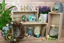 Watercolour Spring / Beautiful Spring and Easter craft ideas for adults on a pastel watercolour theme.