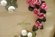 Flores de cetim, tecido... / Artesanatos