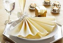 Table settings for New Year´s Eve / Make New Year's Eve a sparkling night to remember with unforgettable table settings to really set the mood