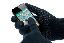 Warm hands, happy conversations / A must-have this winter: touchscreen gloves. Use your smartphone, tablet or other touchscreen device without taking your gloves off.