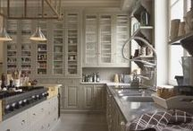 Amazing Kitchens / by Ana Beu Manzano