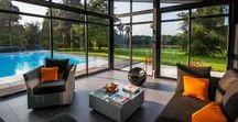 DESIGN INSPIRATION FOR GLAZED WINDOWS / Quelques idées de baies vitrées Elles mettent en avant aussi bien l'intérieur que l'extérieur de votre domicile. Laissez vous tenter!
