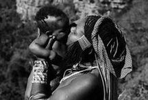 Motherhood around the world / Maternité autour du monde / Parce qu'Omum a commencé avec un tour du monde, on vous emmène revivre la maternité autour du monde !