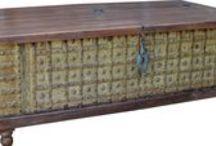 Truhen - Chests / Truhen sind ein völlig unterschätztes Möbel. Sie gelten als altmodisch. Dabei fehlt in vielen Wohnungen eine Abstellkammer oder ein Stauraum. Da kann die Truhe eine gute Lösung sein, gerade wenn sie multifunktional ist. Wenn man sie als Stauraum und gleichzeitig als Couchtisch, Sitzbank, Nachtkästchen, TV-Möbel oder Sideboard benutzen kann. Wenn es dann auch noch eine Vintage Truhe aus Indien ist, dann hat man aus dem Stauraum-Problem eine Zierde für die ganze Wohnung gemacht. / by Guru-Shop