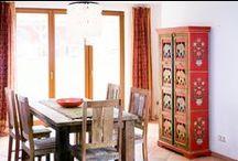 Stilmix: Möbel aus Indien / Möbel aus Indien sind so vielfältig wie das Land selbst. Bemalte Schränke aus Rajasthan, opulente Kommoden aus Orissa und  Sideboards aus neu kombinierten antiken Elementen: die Auswahl ist riesig! / by Guru-Shop