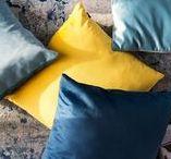 Velvet poduszki dekoracyjne / Poduszki dekoracyjne VELVET to propozycja dla osób lubiących ponadczasowe formy, chcących dokonać udanego zakupu, który nie znudzi się przez kilka lat.
