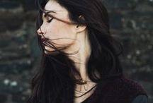 ᚖ NOIR ᚖ Cheveux noirs, bruns, jais... / Nos inspirations de noir : profond, intense, sombre, obscure, ténébreux, mystérieux, envoutant, intriguant...