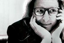 Annie Liebovitz / An amazing photographer / by Megs Firiel Orton