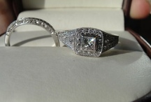 Pre-Owned Engagement Rings / Different styles of pre-owned engagement rings that may spark your interest.
