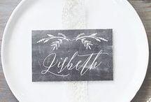 Namenskärtchen für die Hochzeit / #Namenskärtchen für #Hochzeiten, #Papeterie und #Karten, die man #online bestellen kann #Einladungen #Hochzeitspapeterie, #Design, #Grafik, #Karten, #Einladungen #Hochzeitsdeko