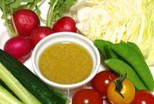 にんにく(ガーリック)レシピ / 強い殺菌作用と体内でビタミンB1と同じ働きをする効果があります。  また、ニンニクのもう一つの主要成分であるスコルジニンには、疲労回復、強壮効果があります。ニンニクは、昔からスタミナ食にいいという定説は、ちゃんと科学的に証明されています。