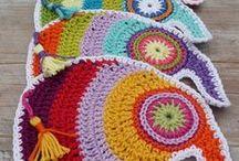 drobné háčkovanky a pletky - zajímavé detaily / crocheted details