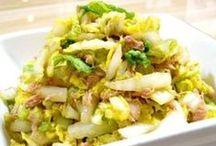はくさい レシピ / 白菜は、100gあたり14kcalと極めて低カロリーです。たくさんのおいしい食べ物に囲まれてついつい食べ過ぎてしまう今、肥満防止にもってこいの健康野菜と言えるでしょう。