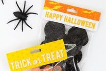 Halloween Bags & Toppers / Package up goodies for trick-or-treaters and party guests with all these great ideas. From party favors and treat bags, we show you how to create unique goody bags using Avery Products and free printables. Check out avery.com/halloween for a wide selection of free spooky printables.