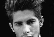 Cortes de Cabelo Masculino - Men's Hairstyles / Cortes de Cabelo Masculino pra inspirar. Tendências em Cortes Masculinos. Penteados Masculinos Modernos. Men's Hairstyles Inspirations.